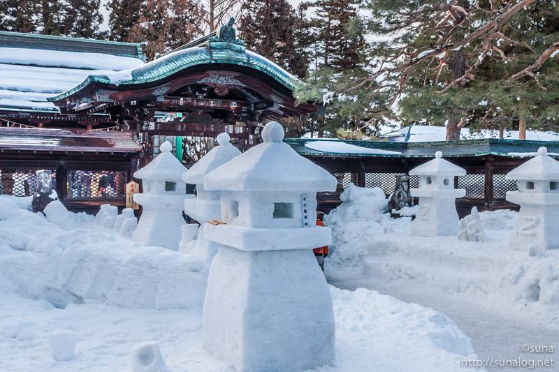 上杉神社と雪灯篭