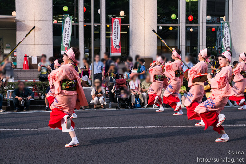 山形花笠まつりの踊り手