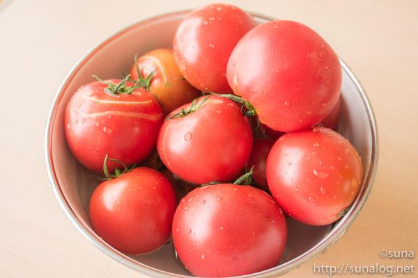 新鮮な完熟生トマト