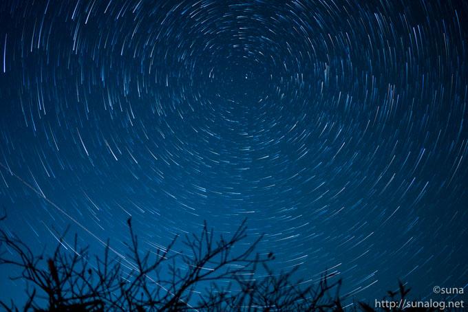 StarStaXで34枚 比較明合成 Comet Mode