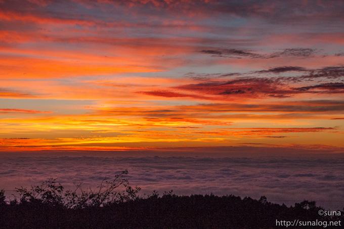 那須岳から見る朝焼け