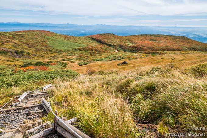 東栗駒山の稜線