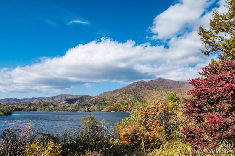 小野川湖と吾妻連峰