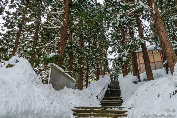 雪の熊野大社の参道