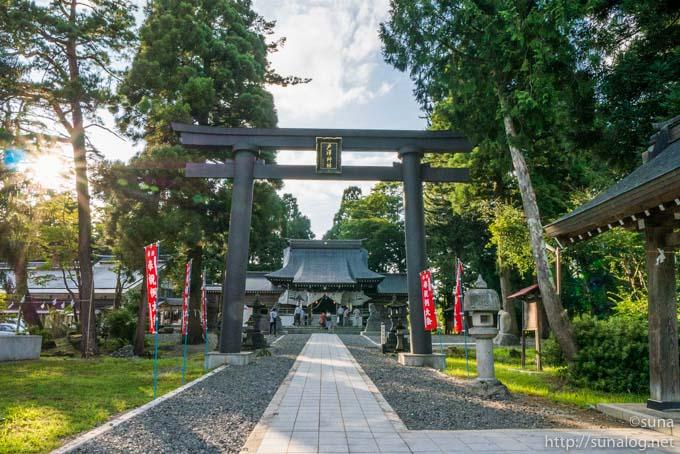 戸沢神社の鳥居